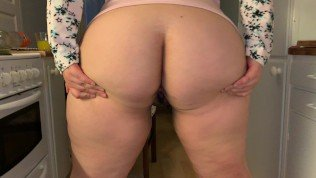 Chubby cheating wife wants to show you something